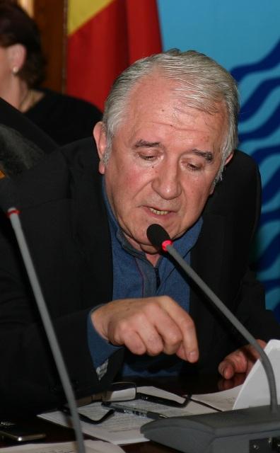 """""""Câinii"""" lui Durbacă profanează din nou morminte în cimitirul Eternitatea"""