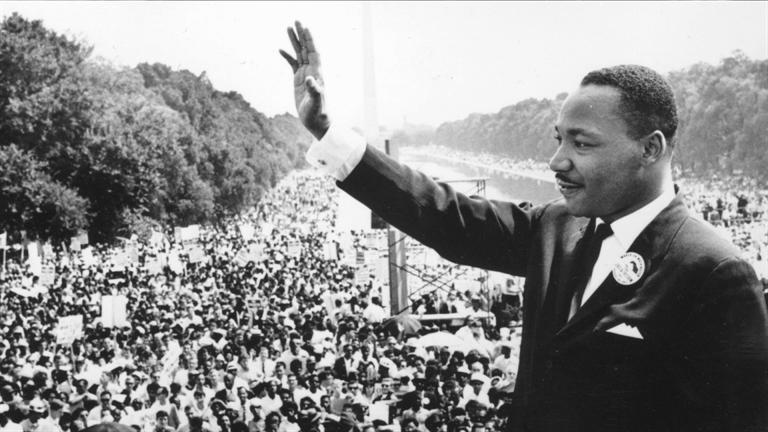 """""""Credinţa înseamnă să faci primul pas chiar dacă nu vezi întreaga scară""""-  discursul ambasadorului american de ziua lui Martin Luther King Jr"""