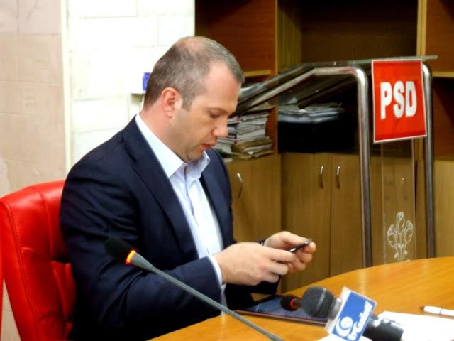 Primarul Pucheanu vrea să salveze Transurb SA de la faliment cu o adunătură de habarniști de partid