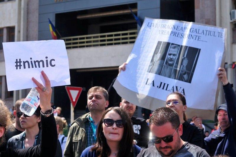 Poliția gălățeană îi anchetează în stil securistic pe protestatarii anti-PSD