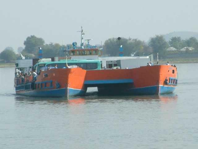 Firma ministrului de Finanțe a primit compensație trecerea de bac Isaccea-Orlovka pentru podul peste Dunăre