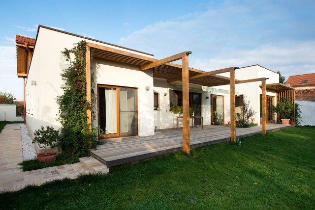 Casele de lemn – o soluție pentru cei ce doresc o nouă locuință (P)