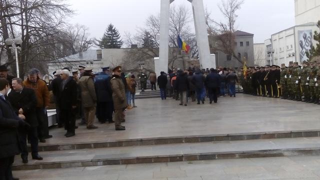 Politrucii roșii gălățeni au acaparat ceremoniile de comemorare a Eroilor Martiri ai Revoluției