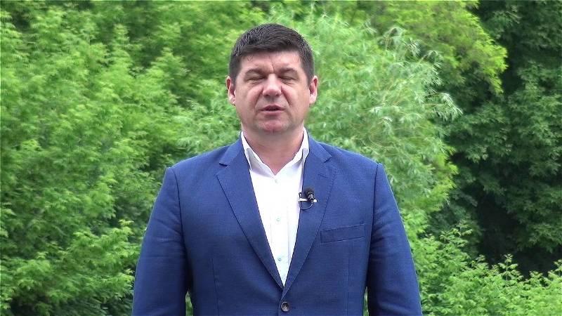 Pesedistul Costel Fotea l-a angajat pe securistul Grecu să-i urmărească mărețele realizări