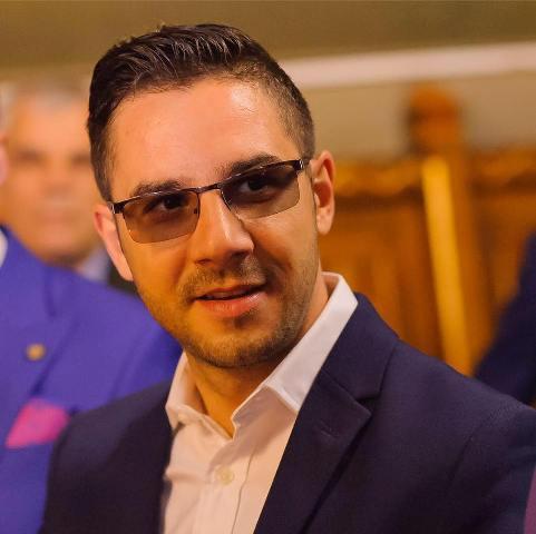 Finul lui Pucheanu este șeful CA de la Administrația Piețelor și răspândac de partid pe Facebook