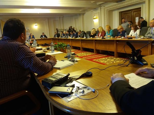 """Senatori și deputați din partea tuturor partidelor politice au constituit grupul """"Prietenii Unirii"""""""