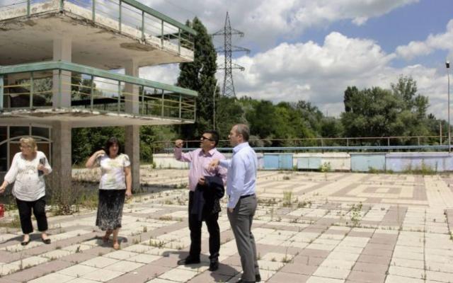 """""""Investitorii"""" de la Plaja Dunărea miros a țepari politici care caută banii la afaceriștii locali"""