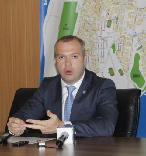 Pucheanu a mărit impozitele locale doar ca să susțină salariile angajaților din Primărie