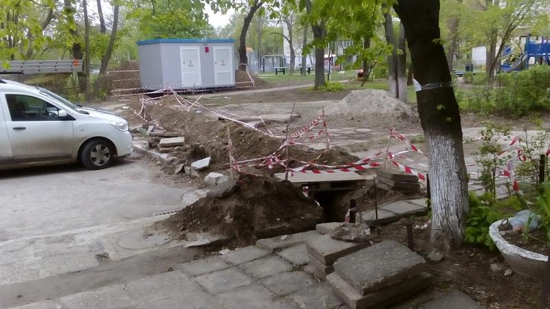 """Poliția Locală Galați protejază șantierele abandonate de firma de casă a """"europeanului"""" Dan Nica"""