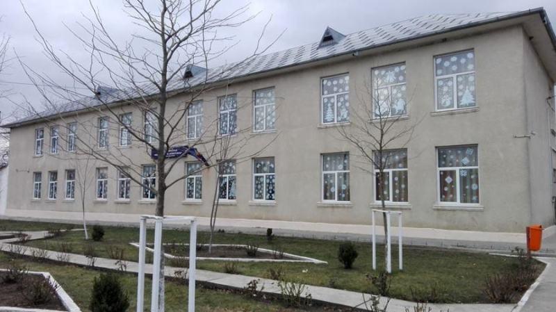 """Dreptul la o educație gratuită și echitabilă este încălcat la școala """"Prof. Emil Panaitescu"""" Cudalbi"""