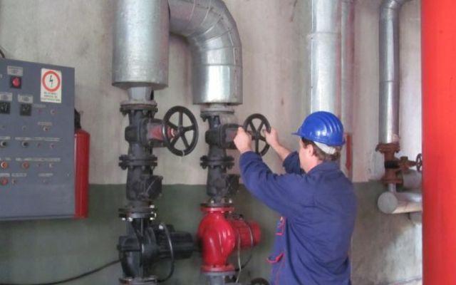 Primarul Pucheanu suspendă a doua oară serviciul de termoficare – USR avertizează că nu rezistă rețelele de gaze și electrică