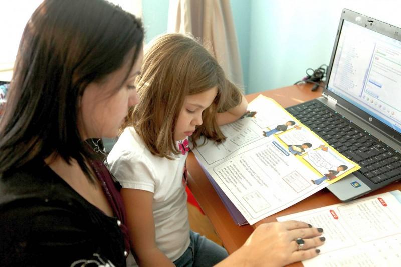 Concurs de fapte bune la Galați - organizat de două eleve