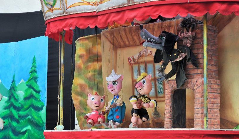 """E timpul pentru întâlnirea cu """"Cei Trei Purceluși"""" - la Teatrul Gulliver"""