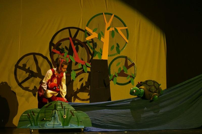 """Premiera spectacolului """"Ursul păcălit de vulpe"""" - la Teatrul """"Gulliver"""""""