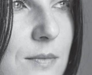 """""""40 de zile"""", cartea regizoarei Chris Simion – lansată la librăria Humanitas Galați"""