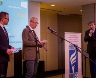Premii de câte 1.000 euro pentru cei mai buni tineri ziariști