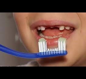 """Gălățenii preferă să opărească periuțele de dinți – rezultatele caravanei """"Rabla pentru Periuța Ta"""""""